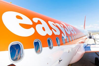 easyjet-plane-logo-close-up